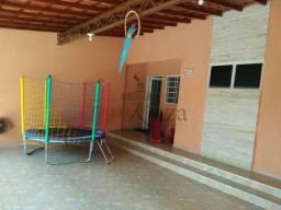 CASA -  CONDOMÍNIO  FECHADO  - 3 DORM (SUITE) - 90 m2 -