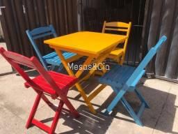 Cadeira e mesa dobrável