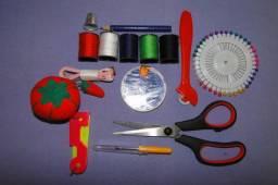 Kit Estojo De Costura Com Tesoura E Acessórios Completo