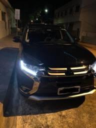 Outlander Mitsubishi Preta