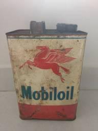 Lata antiga de óleo Mobiloil