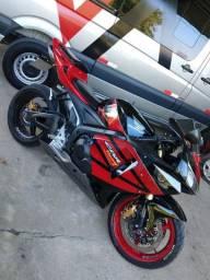 Cbr 600rr aceito moto menor