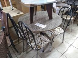 Mesa com 4 cadeiras com tampo de granito soo 798,00 facosta moveis