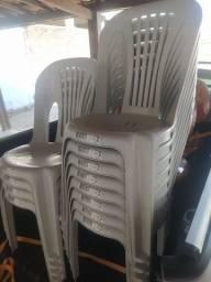 Título do anúncio: Cadeiras de Plástico em Pronta entrega. Produto novo