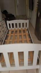 Cama de solteiro com colchão semi novo