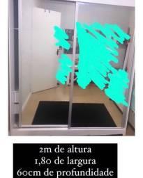 Roupeiro R$600,00