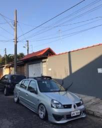 Título do anúncio: Vendo Clio Sedan Authentique