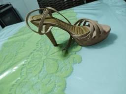 Sandálias de salto da karmelia