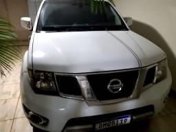 Título do anúncio: Vanda camionete Nissan frontie 190cv ano2014,2014 platimo