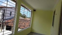 Aluga-se casa em Rio Doce | 1º Andar | 1 Quarto | 1 Suíte | 87m²