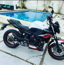 Moto Xj6