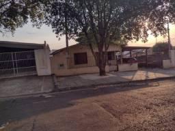 03 imóveis área construída de 117,15m²; 116,15m² e 110,54m² - Vila Brasil - Adamantina/SP