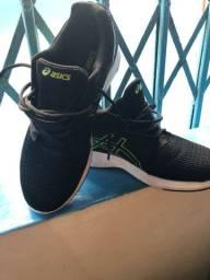 Tênis Asics Gel Moya masculino N. 41 - menos de um mês de uso.