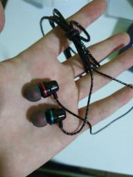 Vendo fone intra auricular POWERFUL BASS, novo