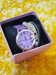Kit relógio e pulseira novo