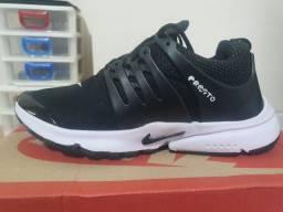 Nike presto novo com caixa tamanho 40