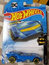 The batman batmovel hot wheels