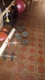 Pesos de musculação.
