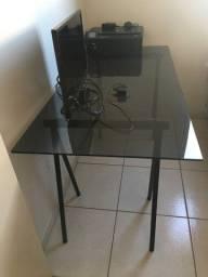 Mesa de vidro fosco