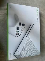 Vendo x box ONE S lacrado