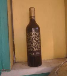 """Vende-se vinho """"Quinta do Soque"""