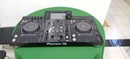Controladora DJ Pioneer XDJ-RX2 preto da 2 canais 110V/240V nova