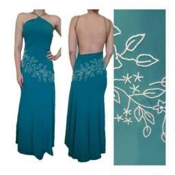 Vestido longo de festa com bordados