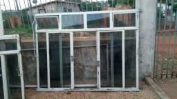 Vendo janela de ferrro reforcada