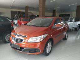 Onix Lt 1.0 completo ano 2013 - 2013