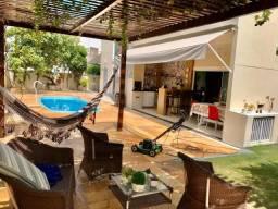 Casa em Condomínio - Energia Solar - 04 Suítes