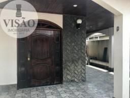 Vendo casa com 03 quartos, piscina à poucos metros da Avenida das Torres! Preço de Oportun