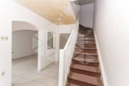 Casa para alugar com 3 dormitórios em , cod:I-024139