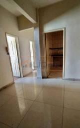 Aluga-se apartamento no Edifício Pio(2°andar)