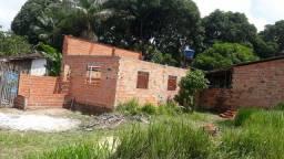 Vendo casa em construção na comunidade terra prometida