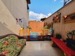 Título do anúncio: Casa 3 quartos 1 suíte e 2 vagas de garagem em condomínio na região do Alvorada