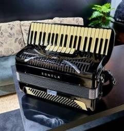 Acordeon Sonola SS7 4/5 de voz 49 cm com Harmonik 5001