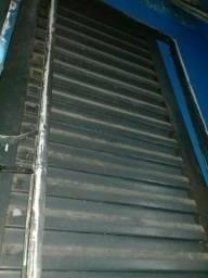 Porta de ferro com caixonete