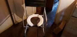 Título do anúncio: Cadeira de rodas assento sanitário