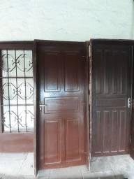 Vendo portas e janela