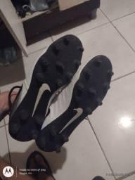 Chuteira Nike Original.