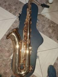 Saxofone tenor em SIB