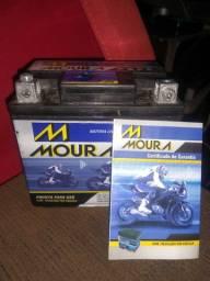 Vendo bateria Moura Nova e com garantia ou faço troca em celular