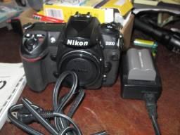 Camera Nikon D200 Funcionado leia -Canon-
