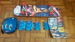 Skate Hot Wheels com Kit de Acessórios Azul Fun