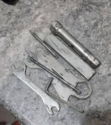 Jogo de chaves da HondaCB300