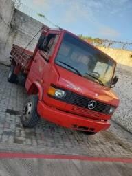 Título do anúncio: Mercedes benz 710 Plus / 2007