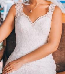 Título do anúncio: Vestido de Noiva Exclusivo . Renda Arabesco. Acompanha Véu