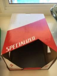 vendo caixa capacete specialized