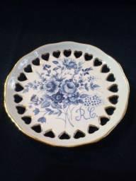 Título do anúncio: Prato porcelana com coração vazado