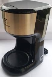 Cafeteira Electrolux CMM20 - 30 Cafezinhos - 127V (Utiliza Café em Pó e Filtro de Papel)